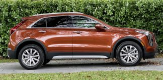 2021 Cadillac XT4 FWD Premium Luxury