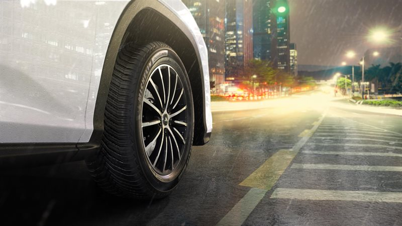 TCS S2-E31 ¿Did you know tires have expiration dates? We talk to Michelin Tires about it